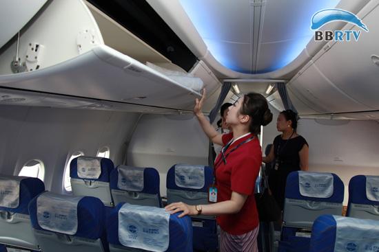 南航首架波音天空内饰飞机落户广西