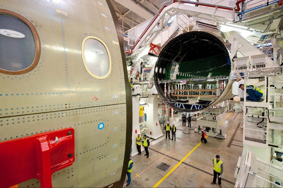 空客第一架超宽体飞机总装