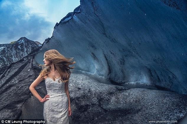 新人冰岛拍摄婚纱照 直升机实力抢镜