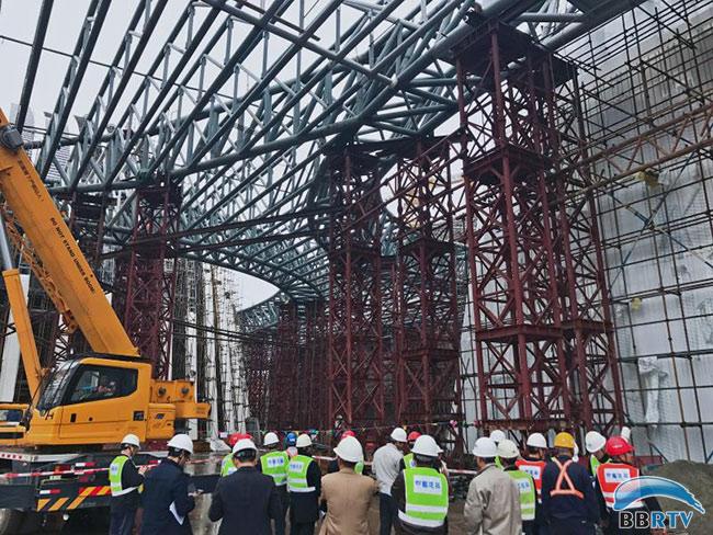 焊接完成40%,室内二次结构完成施工,精装修,机电安装和舞台机械正在有