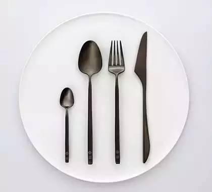 餐具卡通彩笔画图片