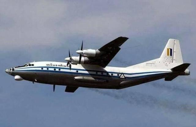 缅甸载百名乘客军机失联