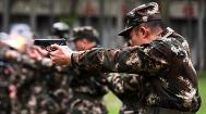 武警官兵开展实弹训练 一睹子弹出膛精彩瞬间